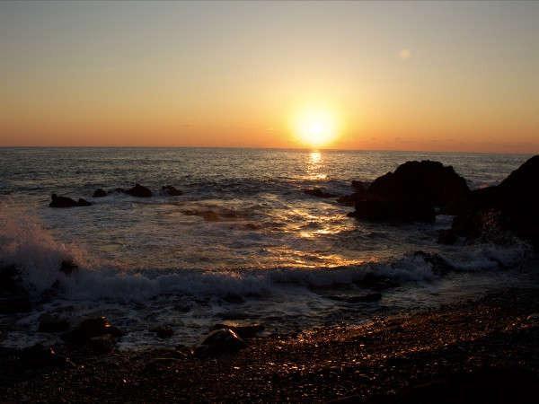 【風景】鵜島の海岸より撮影、当館から徒歩2分の鵜島の海岸も絶景スポットとなっております。
