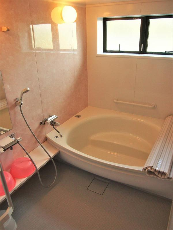 大部屋にはゆったりタイプのお風呂