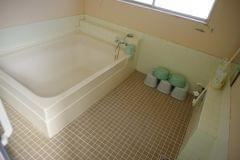 家族風呂(各部屋のお風呂と別にご利用いただけます) 男女それぞれにご用意しております