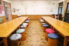 木のぬくもりにあふれる食堂です。