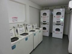 ランドリー室:洗濯1回300円、乾燥10分100円