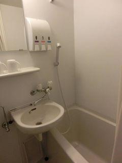 ダブルベットルーム:バストイレ